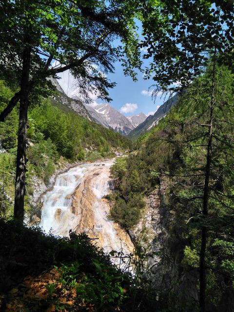 Wasserfall am Karwendelsteg